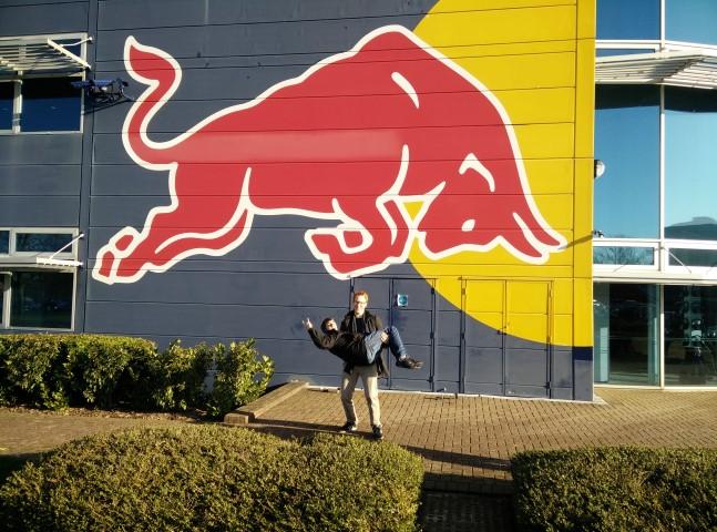 Red Bull gebouw (met Mathias Grooten)