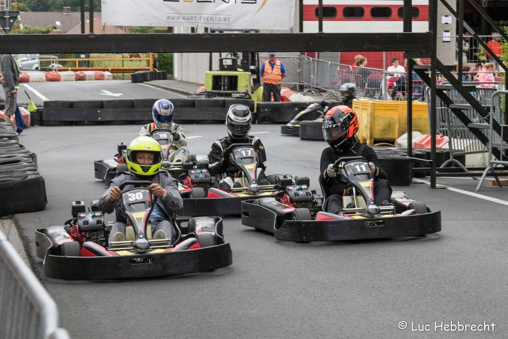 Strijd tussen Kartzone.be by Traxxis en FSA karting - Scott